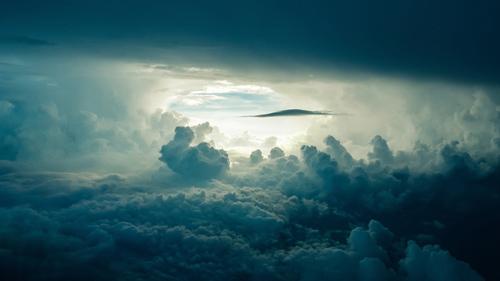 lucide-dromen-wolken-droom